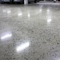 Verniz Poliuretano aplicado em piso de granilite
