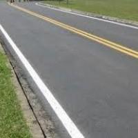 Pav color aplicado em estrada de rodagem