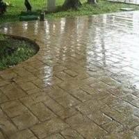 Verniz acrílico aplicado em piso de concreto estampado