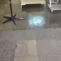 Drip na remoção de ceras em piso de ardósia